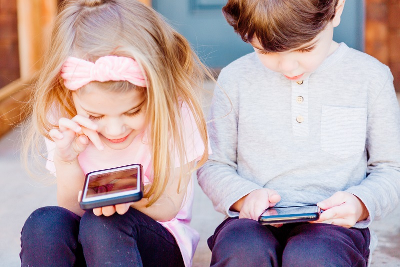Kids on IPhones small
